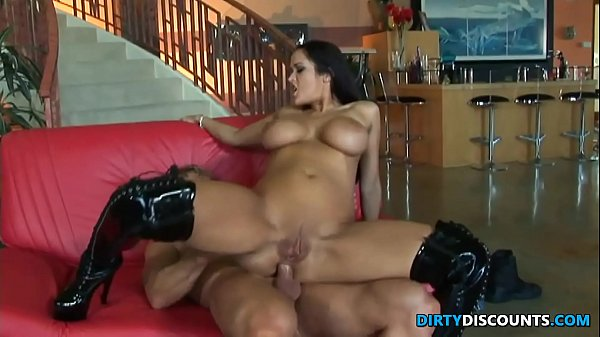 Lucky, Two milf