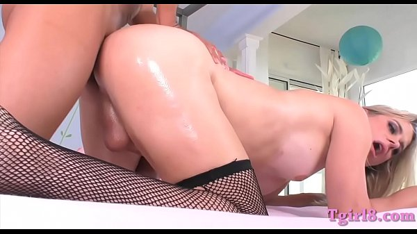 Shemale, Busty anal